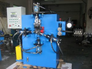 Hook wire heading and typing wire forming production machine